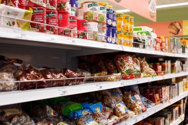 Не только печеньки и конфеты можно было прикупить в продуктовом у школы