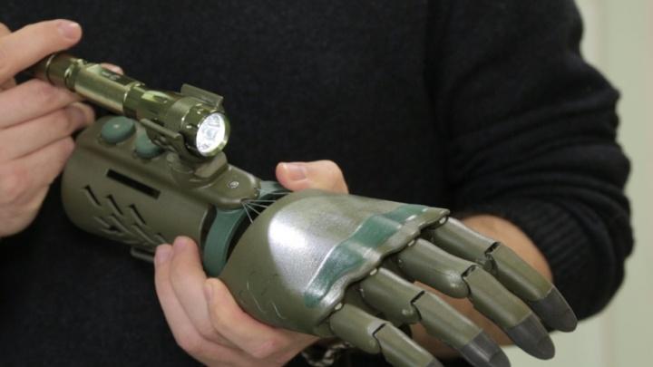Киборги идут: магнитогорцу установили протез кисти, сделанный на 3D-принтере