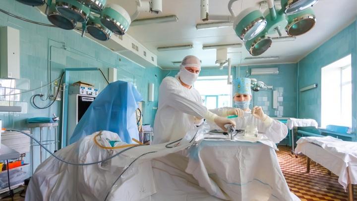 Редкая операция челябинских хирургов позволила пациенту снова дышать