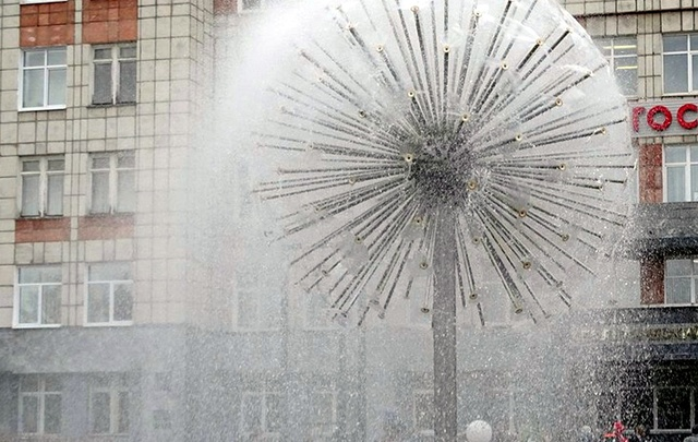 Раньше всех: в Перми включили первый фонтан