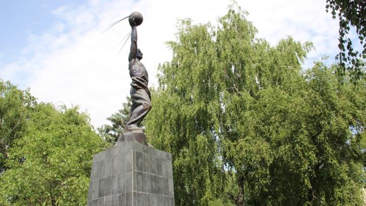 Людмила Лисицына: управлению культуры не хватает людей для ухода за городскими памятниками