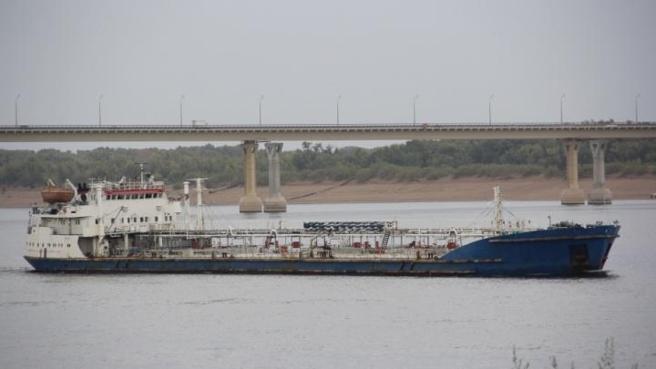 В Волгограде капитан танкера осужден за продажу более пяти тонн солярки