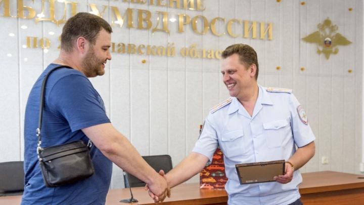«Больше часа гонялся за пьяным лихачом»: как гаишники отблагодарили ярославского автомобилиста