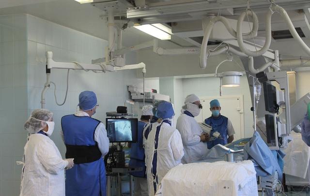Бомба замедленного действия: челябинские хирурги провели операцию по лечению аневризмы аорты