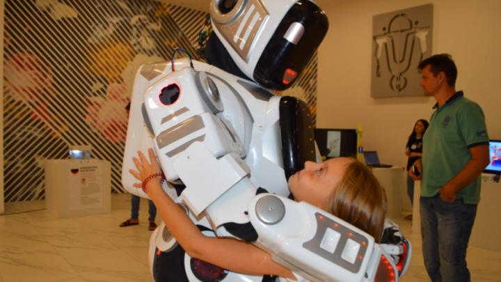 «Город роботов» и «Арт-елка»: куда сходить ростовчанам всей семьей в ближайшие выходные