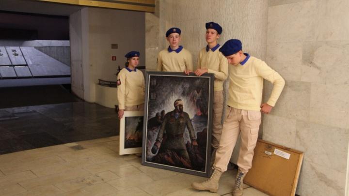 Правда о горьком времени: Волгограду подарили 12 картин о войне