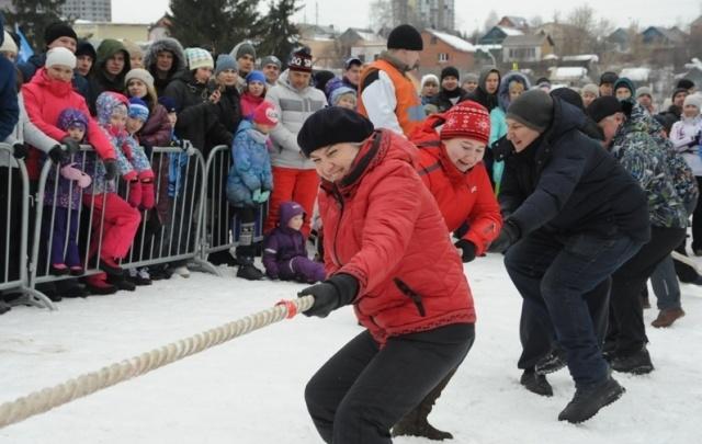 Лыжи, гири и дартс: силовики Прикамья состязались в семейном многоборье
