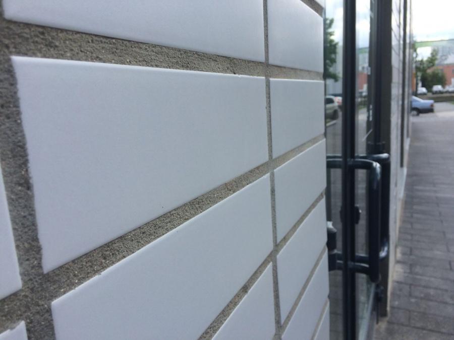 Кому интересно, как итальянская плитка смотрится на фасадах: примерно вот так.