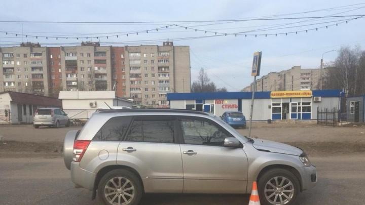 В Ярославской области внедорожник сбил школьницу на переходе