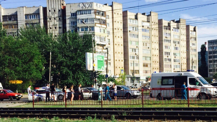 В Красноармейском районе Волгограда «пятнадцатая» сбила девушку-подростка