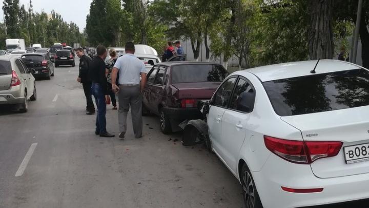 Молодой водитель в Волгограде из-за приступа эпилепсии собрал массовое ДТП