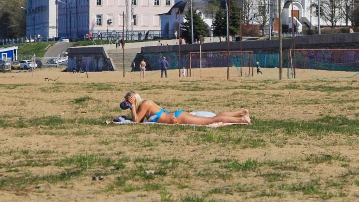 Почти лето, я изжарен, как котлета: фото пляжных откровений архангельского мая