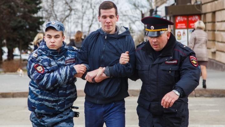 Революции не будет: готовивших переворот в Волгограде ловят по всей России
