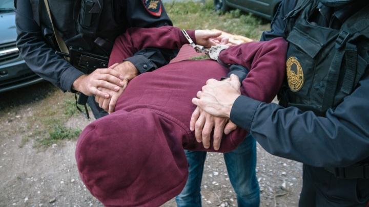 В Самаре местный житель пытался украсть у водителя маршрутки 5000 рублей