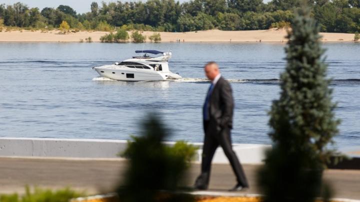 Дмитрий Медведев прилетел в Волгоград спасать Волгу