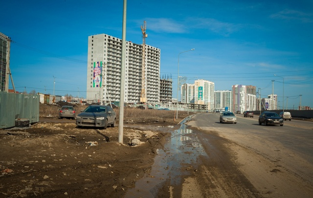 Тысячи тонн грязи вывезли с челябинских дорог за неделю