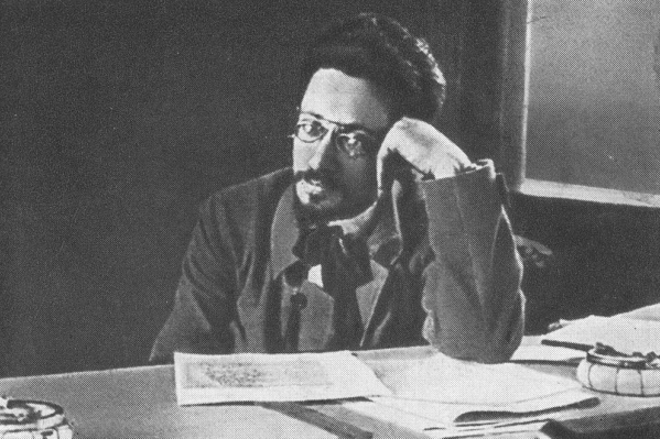 ЯковСвердлов в вагоне поезда во время поездки на фронт. Осень, 1918 г.