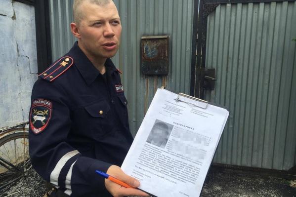 Полицейские вызвали водолазов для осмотра водоемов, на земле никаких следов обнаружить не удается