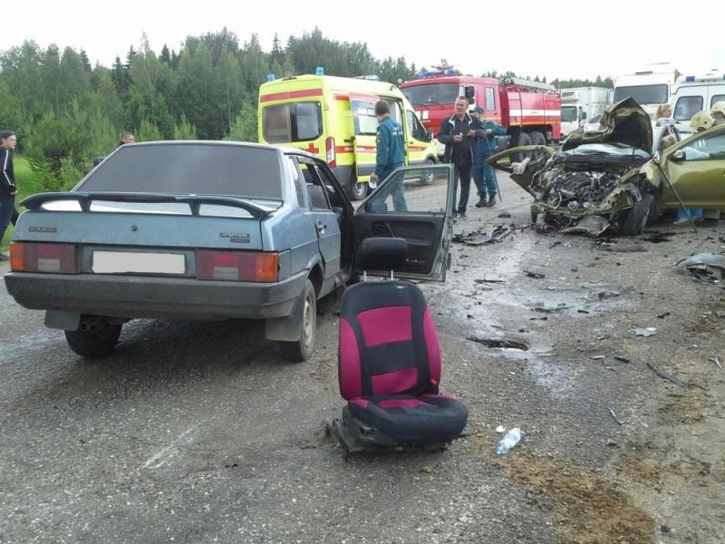 Сразу три машины столкнулись на Ивановской трассе