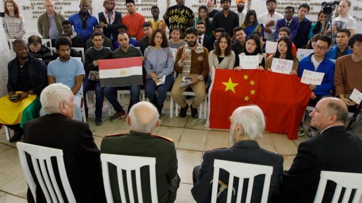 Иностранные студенты сказали «Спасибо, Сталинград» от имени своих стран