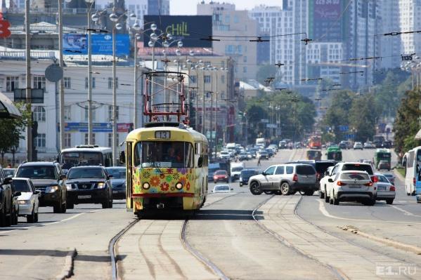 Трамваи будут объезжать мост по Ленина.