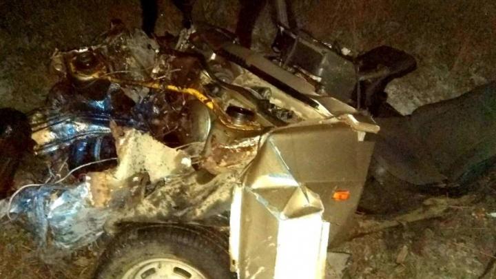 В аварии под Челябинском легковушку от удара разорвало пополам
