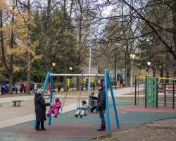 При поддержке «Славнефти» завершилась реконструкция сквера на улице Курчатова