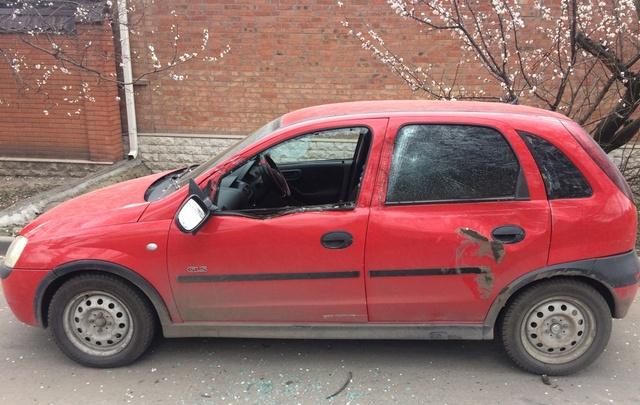 Семья из Ростова ищет погрузчик, протаранивший их автомобиль
