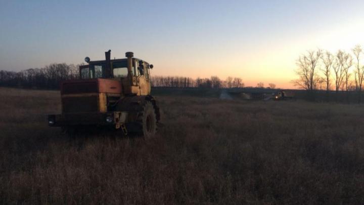 На Дону угонщики трактора сбили женщину