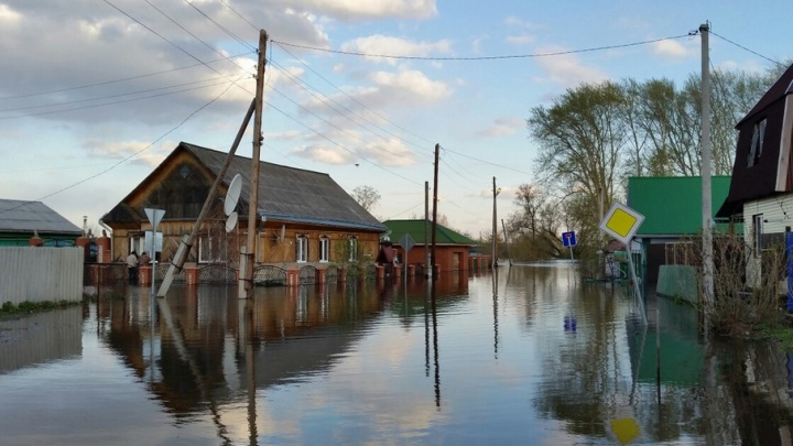 Паводок в Ишимском районе: подтоплены 104 жилых дома