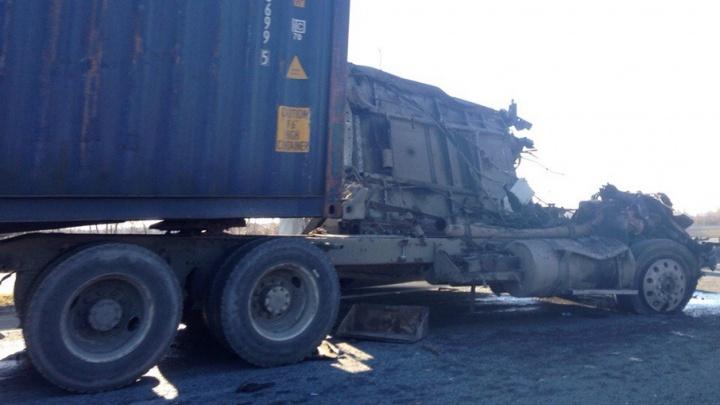 На трассе в Челябинской области у КАМАЗа на ходу оторвало кабину