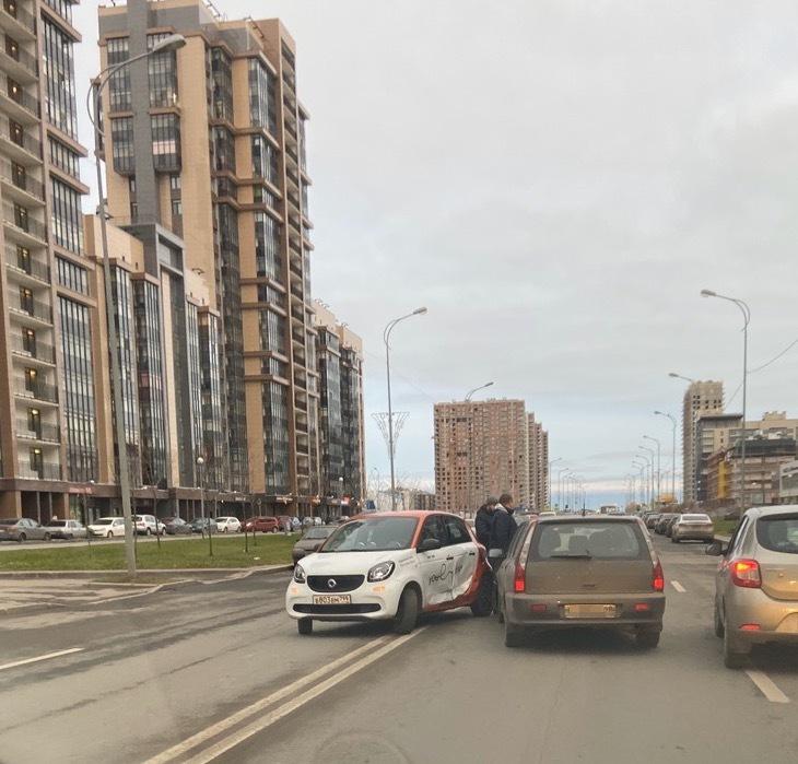 ДТП на улице Адмирала Трибуца