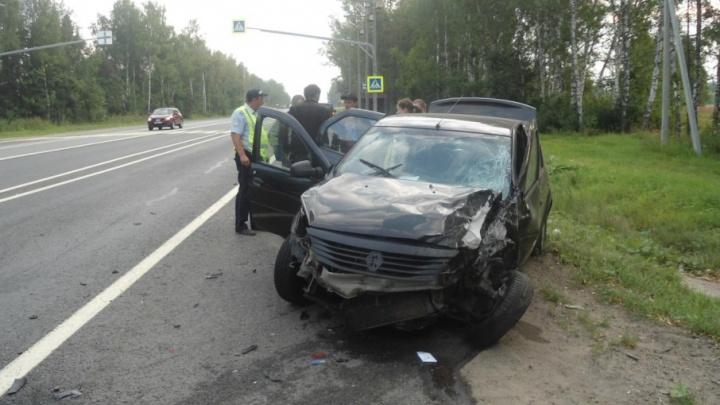 Уснувший за рулем ярославец протаранил две иномарки на федеральной трассе