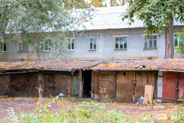 Незаконно установленные гаражи в скором времени демонтируют