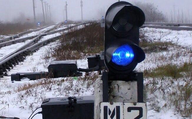 В Сызрани школьники от скуки разбили камнями три светофора