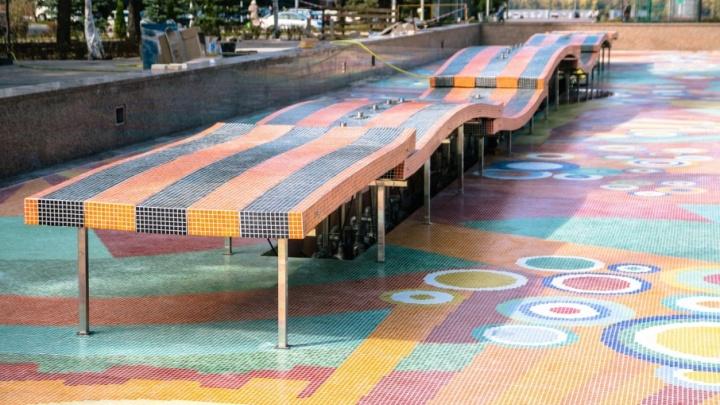 Яркая мозаика и подсветка: чашу фонтана 30-летия Победы на площади Славы выложили плиткой