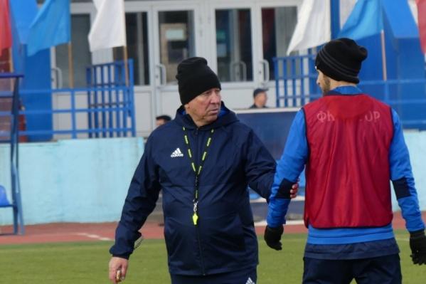 Сергей Павлов не смог усидеть на месте при виде слабой игры своих подопечных
