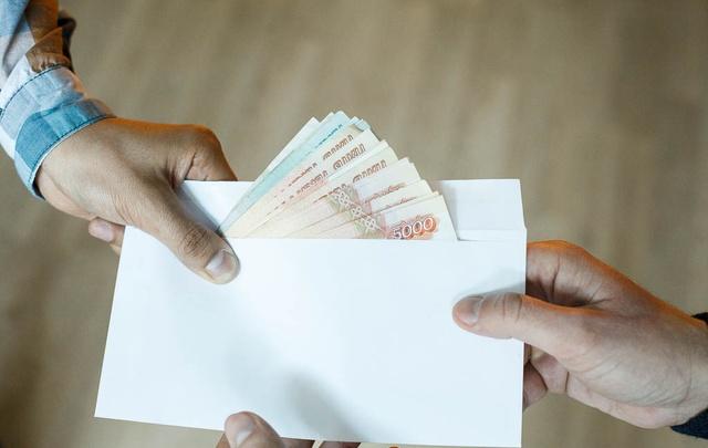 73-летнего тюменского профессора, который брал со студентов 1000 рублей за зачет, будут судить