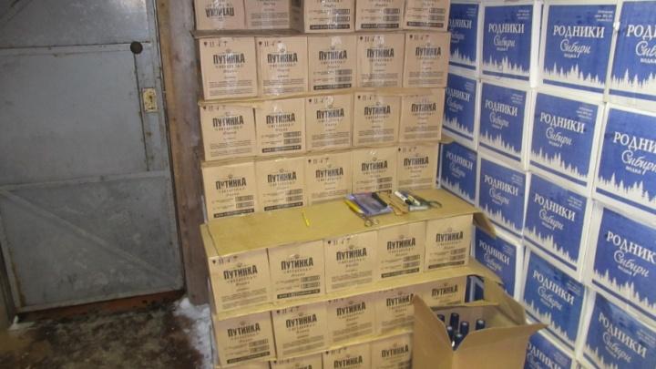 ФСБ против «Путинки»: в Архангельске изъяли больше 18 тысяч литров контрафактной водки