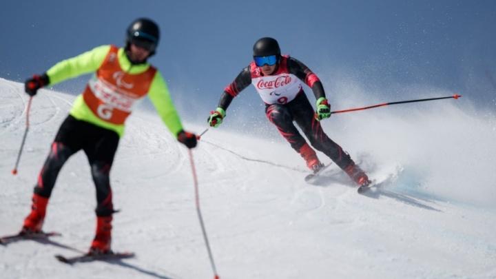 Слабовидящий лыжник из Гуково завоевал бронзу на Паралимпийских играх в Пхёнчхане