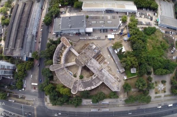 Так легендарное здание выглядит с высоты птичьего полета