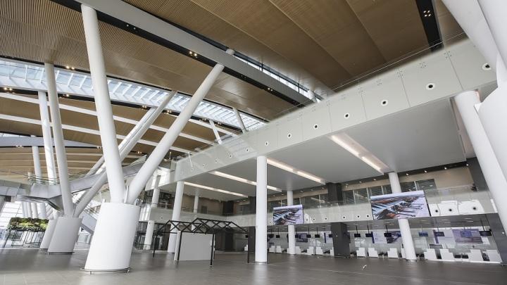 В почти построенном аэропорту для министра транспорта Максима Соколова устроили экскурсию