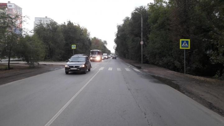 В Самаре водитель Renault сбил 11-летнего мальчика на пешеходном переходе