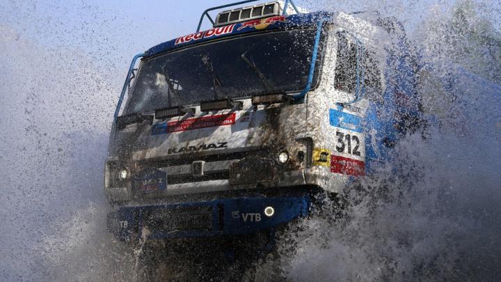 КАМАЗ, который разгоняется до 100 км/ч за 10 секунд: в Тюмень едет суперавтомобиль
