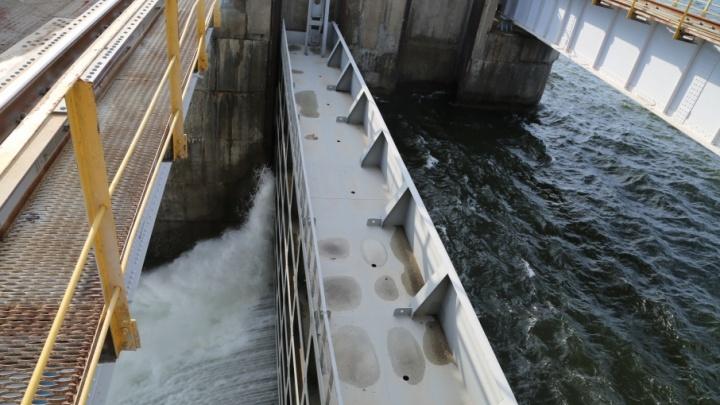 Волжская ГЭС начинает максимальный сброс воды