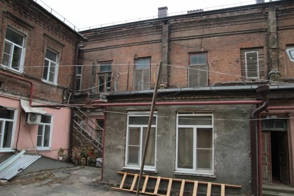 Многие дома в центре города нуждаются в капремонте