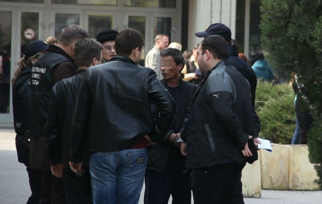 В Ростове начнется суд над слесарем, подбросившим бомбу-фонарик к школе №5