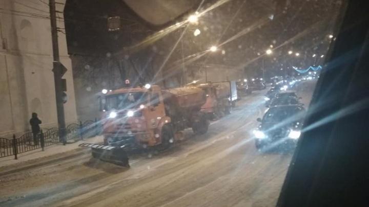То ли чистили, то ли нет: водители Ярославля ругают утренние дороги