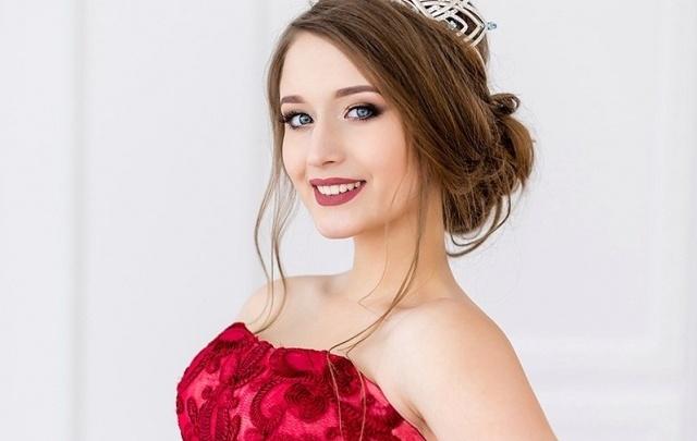Сургутянка обошла тюменку в конкурсе «Мисс Виртуальная Россия – 2017» и выиграла новый BMW
