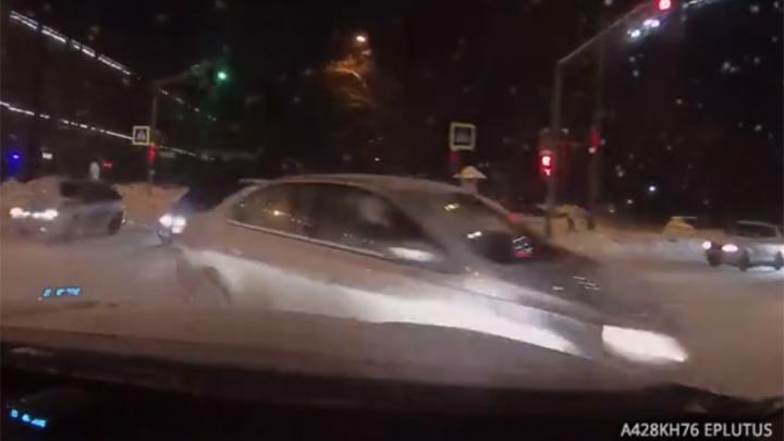 Костромской судья попал в ДТП в центре Ярославля